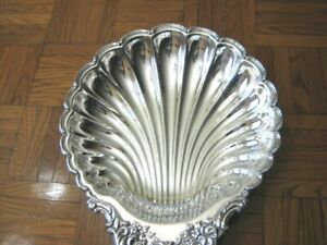 Wm A Rogers Silverplated Scalloped Shaped Serving Tray Dish Platter