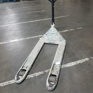Crown Pth 50 Series Pallet Jack 3 11 Long Forks 5000 Lb Capacity