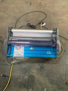 Gbc Pinnacle 27 Ezload Roll Laminator 27 Wide 3mil Maximum Document Thickness