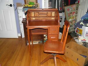 Vintage Kids Roll Top Desk With Chair Need A Little Tlc Check Pictures Localpu