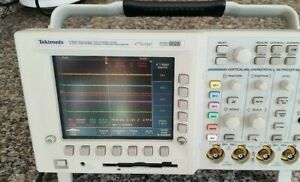 Tds3034b 300 Mhz 2 5gs s 4ch Scope 2 Optional Modules tds 3fft ttds 3trg
