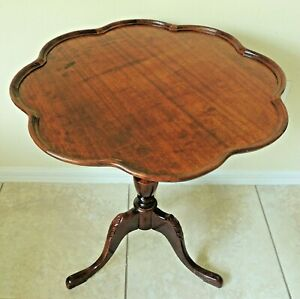 Antique Vtg Solid Mahogany Scalloped Flower Pie Crust Pedestal Accent Table 5888
