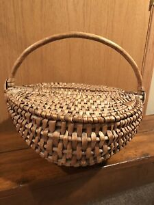 Antique Primitive Buttocks Gathering Basket With Bentwood Handle And Lid