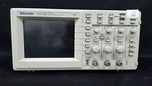 Tektronix_tds220 100 Mhz 2 Channel Digital Oscilloscope 2436 _q