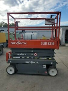 2018 Skyjack Sjiii 3219 Scissor Lift 79 2hrs 19 Platform Height 26 Work Height