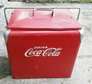 "VINTAGE 1950 COCA COLA ""6-PACK"" PICNIC COOLER ICE CHEST WITH PLUG OPENER TRAY"