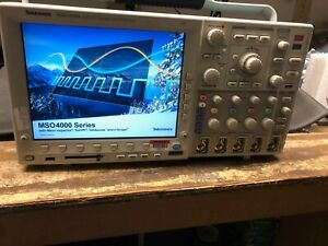 Tektronix Mso4104 1ghz 4 Channel 5gs s Mixed Signal Oscilloscope