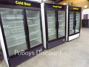 True Gdm 49 ld 2 Door Glass Door Merchandiser Clean Cold Beautiful Led Display