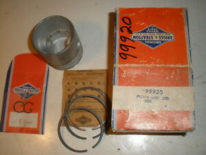Briggs Stratton Gas Engine Piston Assembly 99920 New Old Stock Vintage