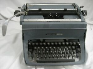 Refurb Underwood Touch Master Manual Typewriter 11 Carriage 17 w X 15 d X 9 h
