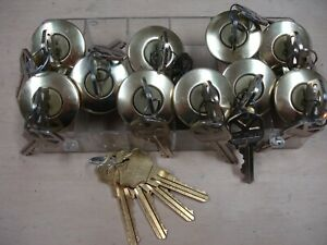 Lot Of 10 Kwikset Lock Cylinders Each With 2 Keys Master Keyed for Rentals