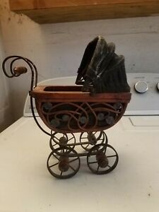 Vintage Wicker Baby Doll Carriage Buggy Stroller Home Decor Planter