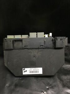 2008 2009 Jeep Wrangler 3 8l Fuse And Relay Box 04692236ae