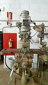 Central Machinery Manual Bridgeport Style Clone Vertical Milling Machine