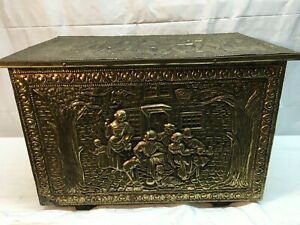 Vtg Hammered Brass Storage Chest Covered Wood Antique Box Chest 17x 11x 12 Trunk