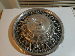 1975 1985 Cadillac Fleetwood Seville 2044 Rwd 15 Wire Hubcap 01622896