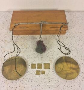 Antique Gold Diamond Apothecary Finger Scale In Wood Case W Old Brass Weights