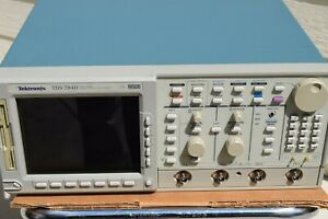 Tektronix Tds784d Digital Phosphor Oscilloscope Tds 784d Tested Guaranteed Tek