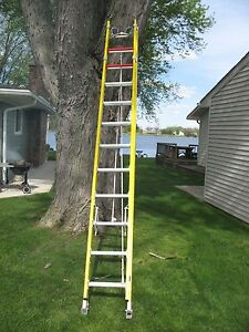 Bauer 24 Fiberglass Extension Ladder E w Pole cable Hooks 31324f Iaa Heavy Duty