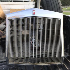 1977 1979 Lincoln Mark V Radiator Chrome Grille Surround With Ornament