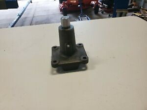 1951 66 Studebaker Steering Center Bell Crank Assembly 1963 85 Avanti W bearings