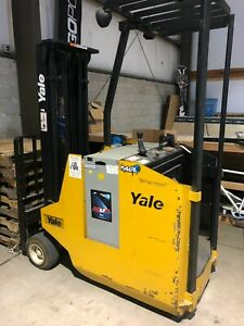Yale Esc030 Electric Forklift Lift Truck With Charger 110v New Jersey