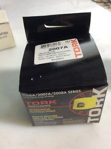 Tork 2007a Photocontrol Turn lock 105 285vac