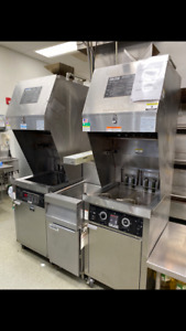 Giles 2 Basket Self Contained Electric Fryer With Hood Filtration Wog mp vh us