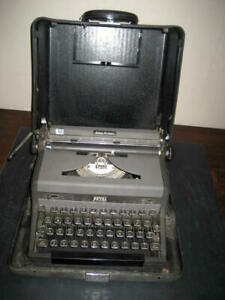 1950 s Refurbished Royal Quiet Deluxe Portable Manual Typewriter W hard Case