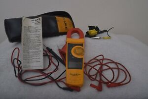 Fluke 600v Cat Iii Digital 333 Clamp Meter With Leads And Soft Case