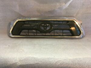 2012 2013 2014 2015 Toyota Tacoma Front Bumper Grille Oem