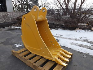 New 16 John Deere 410 K Backhoe Bucket With Coupler Pins