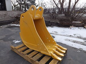 New 16 John Deere 310 Sj Backhoe Bucket With Coupler Pins