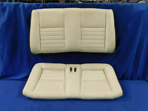 99 00 01 02 03 04 Mustang Convertible White Rear Leather Seat Upper Lower E76