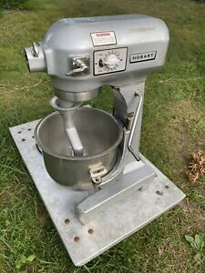 Hobart A 200t 20 Quart Commercial Dough Mixer With Timer Bowl
