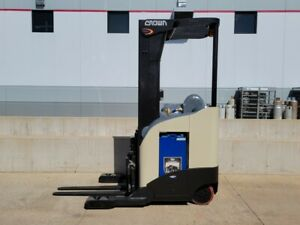 2008 Crown Rr5210 40 Electric Narrow Aisle Lift Forklift Reach Truck