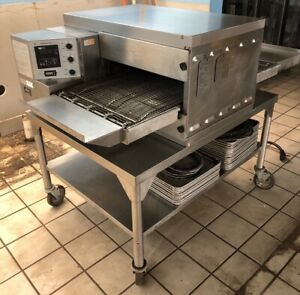 Middleby Electric Pizza Oven Ps520e W some Trays