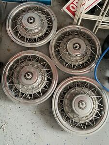 Chrysler Imperial Hubcaps