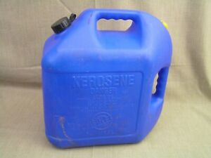 Blitz Usa Model 11877 5 Gallon Plastic Vented Kerosene Fuel Gas Can Container