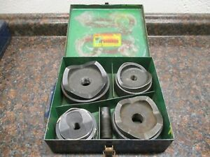Greenlee 7304 2 1 2 4 Knockout Punch Set W Draw Stud Case Used