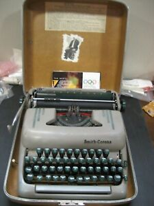 Refurbished Smith Corona Typewriter Silent Super Manual non electric w warranty