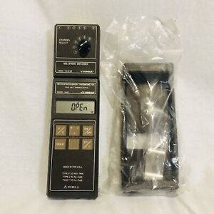 Omega Microprocessor Thermometer Type J k t Multi probe Switchbox And Case