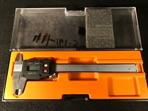 Fowler Nsk Max cal Digital Electronic Caliper With Case Works Fine