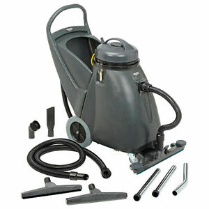 Wet Dry Vacuum 18 Gallon With 24 Squeegee