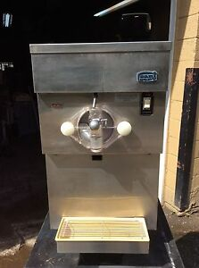 Table Top Slush shake Machine 220v 1 Ph Air Cooled Refurbished