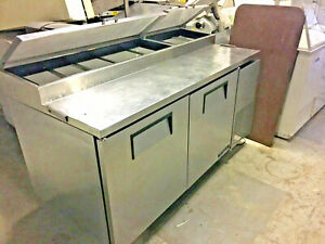 True Sandwich pizza Prep Table 6 Refrigerated Immaculate