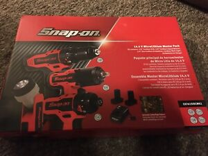 Snap On 14 4v Microlithium Impact Drill Driver Flashlight Charger 2 Batteries