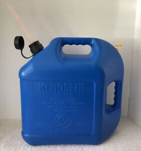 Blitz 5 Gallon Plastic Vented Kerosene Can Model 11877 Pull Out Flexible Spout