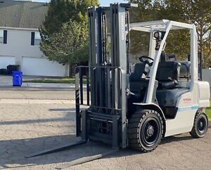 Nissan Unicarriers 5 000lbs Pneumatic Tire Forklift Lp Gas 3 Stage S s