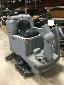 Nilfisk Advance Adgressor 3820c Ride On Commercial Floor Scrubber 320 Hours